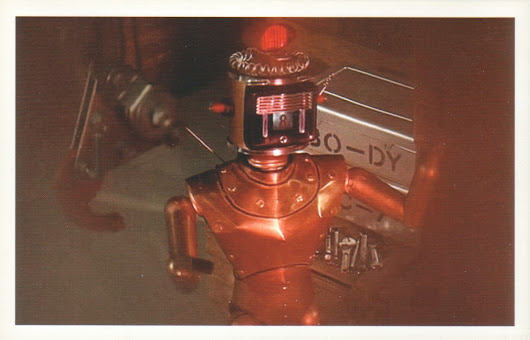 Collecting robots on postcards - 5