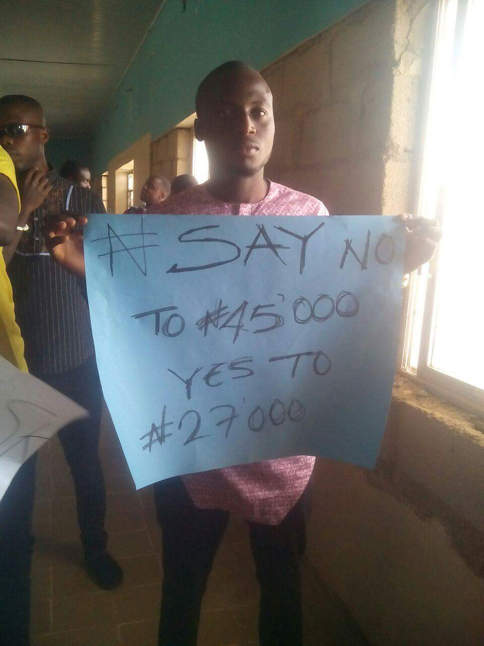 Students of Unijos on rampage, protesting for N45,000 fee
