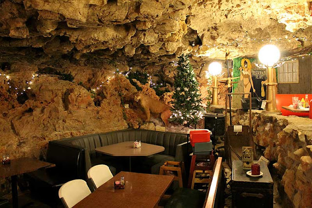 The Cave, Richland, MO