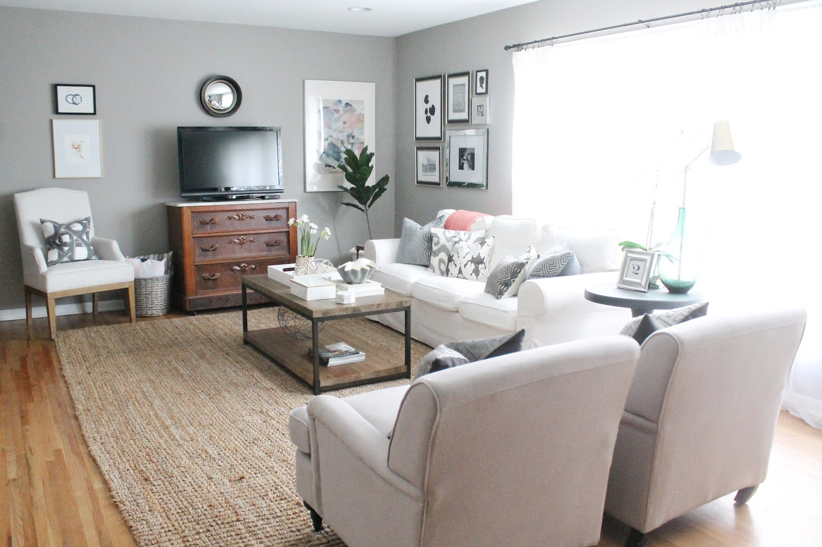 12th and White ModernMeetsTraditional Living Room Refresh