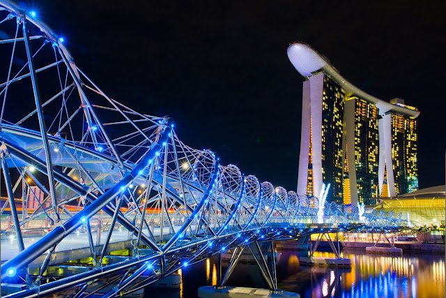Double Helix Bridge - Singapore