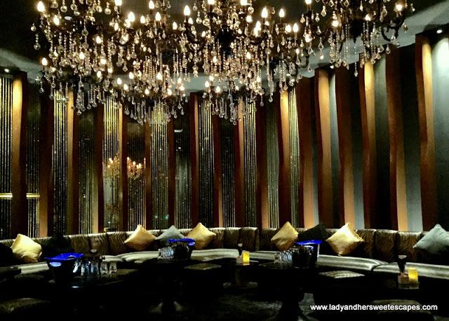 dazzling lounge in Vii Dubai