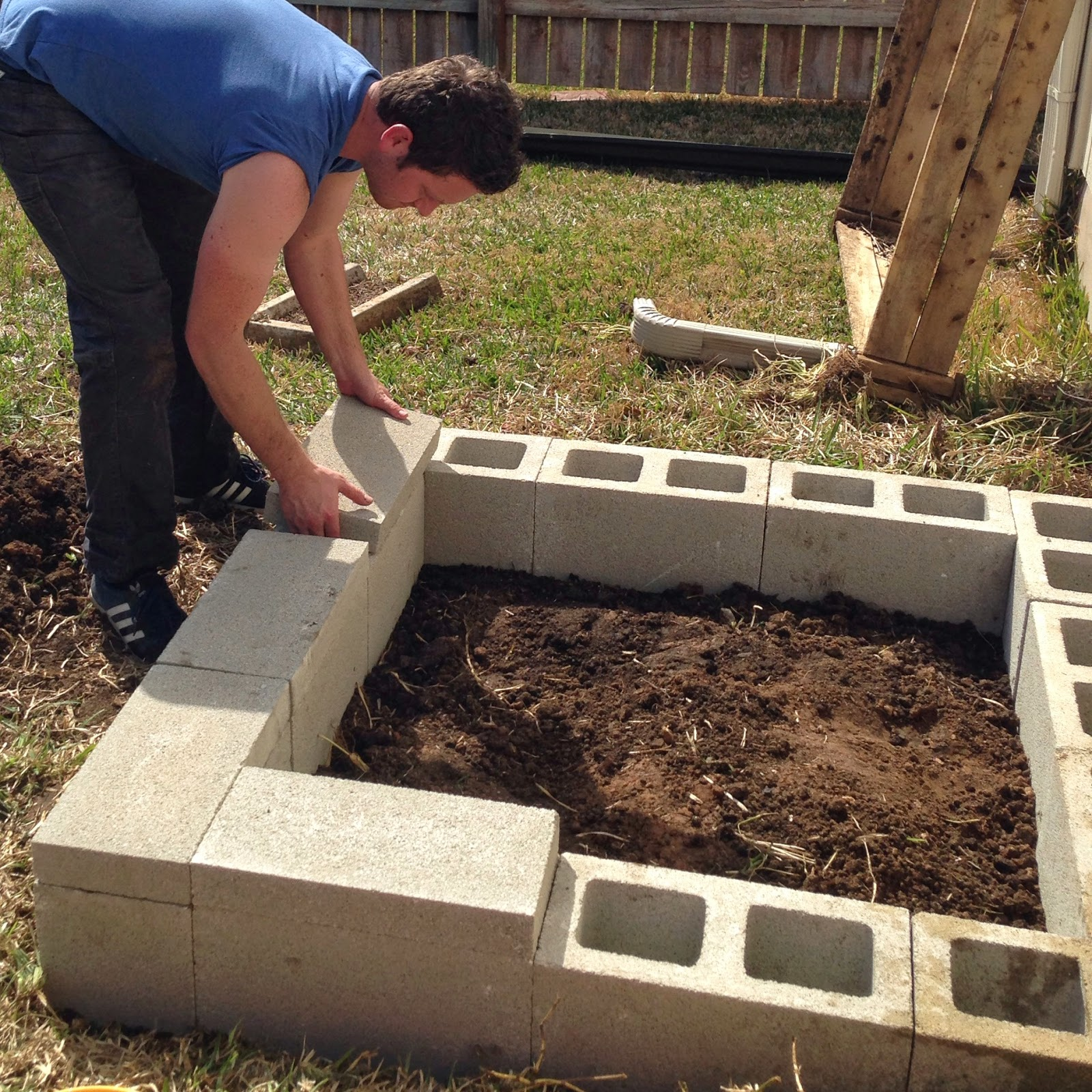 Concrete Block Garden Bed: Because Everyday Life Should Be Fabulous