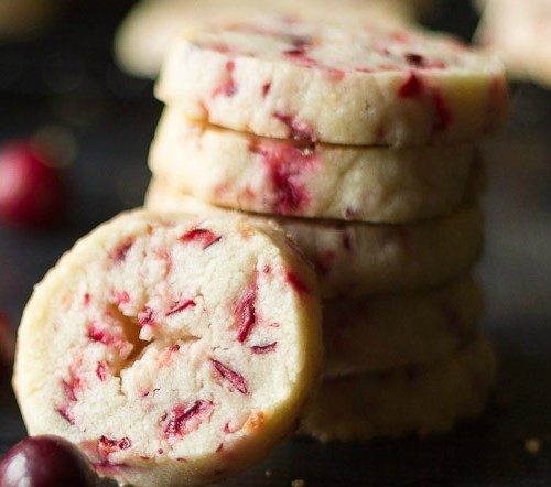 Fresh Cranberry Shortbread Cookie Recipe For The Holidays #desserts #cookies