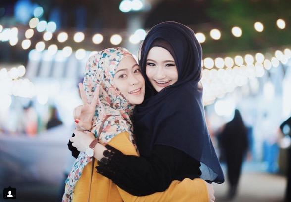 Hijabista Cantik 5 Beradik Ini Bikin Tulang Rusuk Lelaki Bergegar
