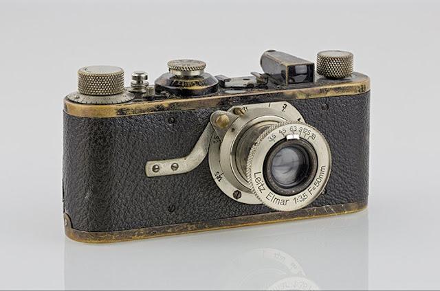 kamera leica yang ringkas