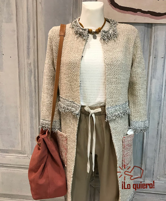 https://pan-blanco-moda.myshopify.com/collections/prendas-exteriores/products/camiseta-5