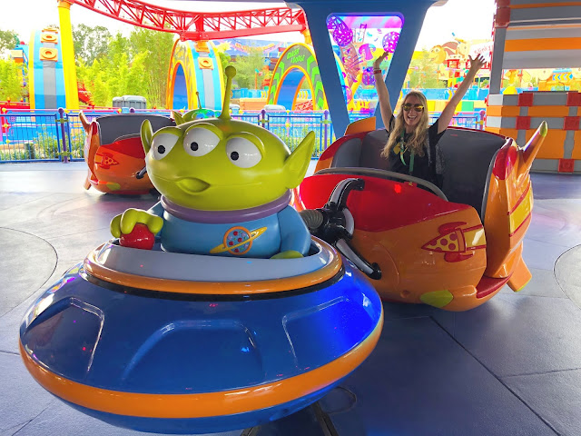 Toy Story Land Alien Swirling Saucers Ride Along