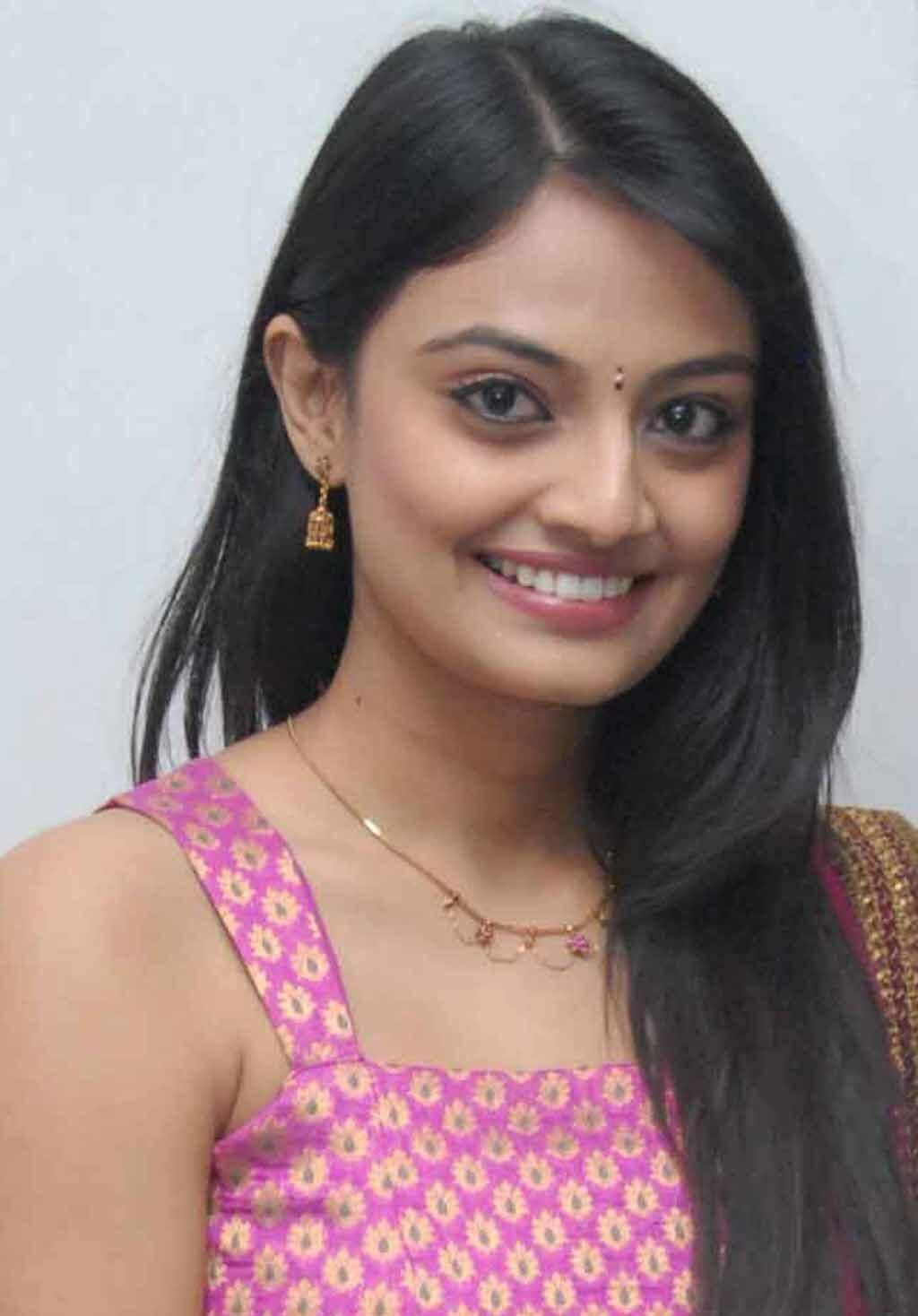Tollywood Actress Nikitha Narayan Hot Face Photos In Pink Salwar Churidar