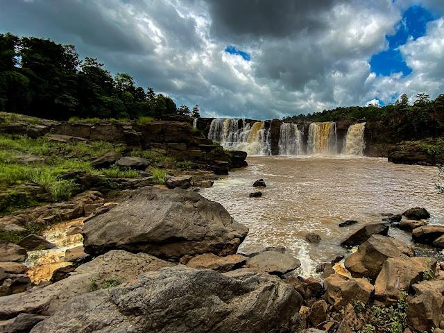 Gira Waterfalls in Saputara Hill station
