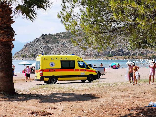 Ναύπλιο: Χωρίς τις αισθήσεις του ανασυρθηκε άνδρας στην παραλία Καραθώνας