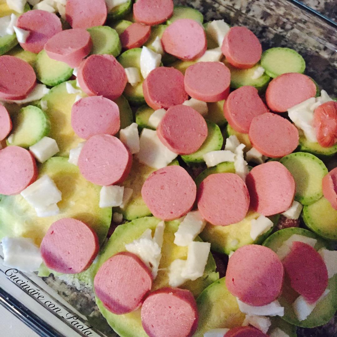 Zucchine wurstel e mozzarella cucinare con paola for Cucinare wurstel