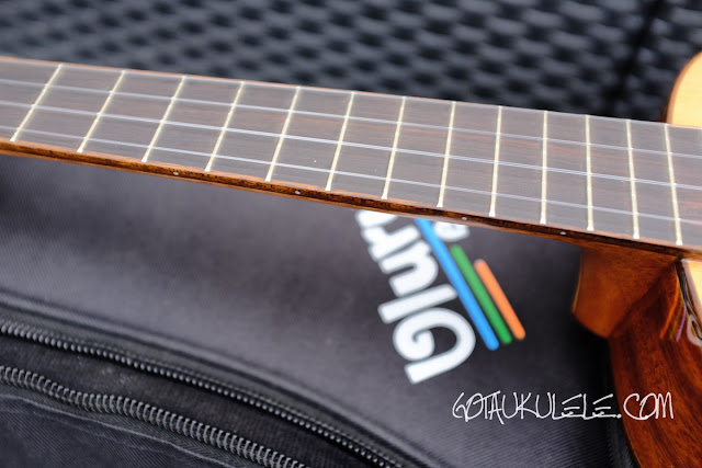 Uluru Sedera III tenor ukulele fingerboard
