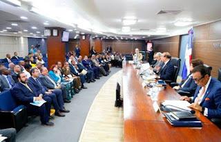 Partidos políticos y Junta Central Electoral debaten este jueves el voto automatizado