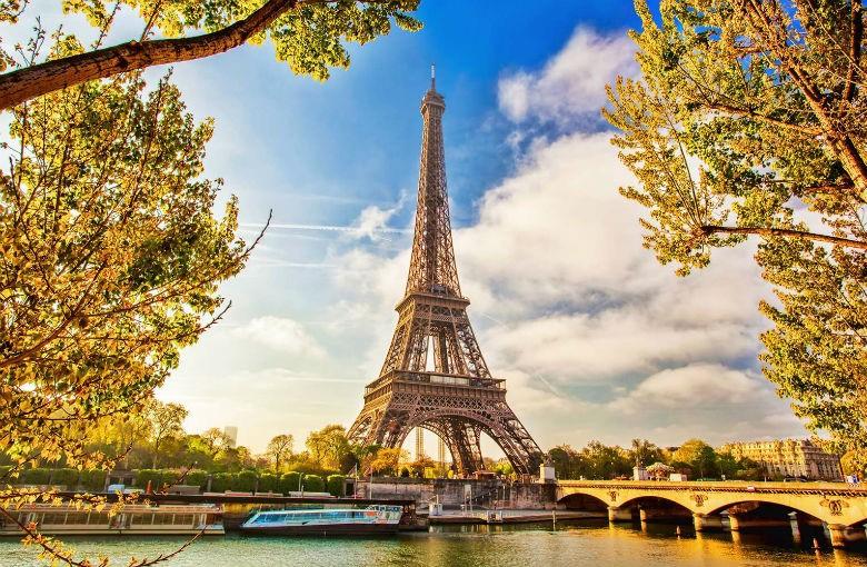 Đất nước Pháp rất nổi tiếng về lĩnh vực khoa học mỹ phẩm