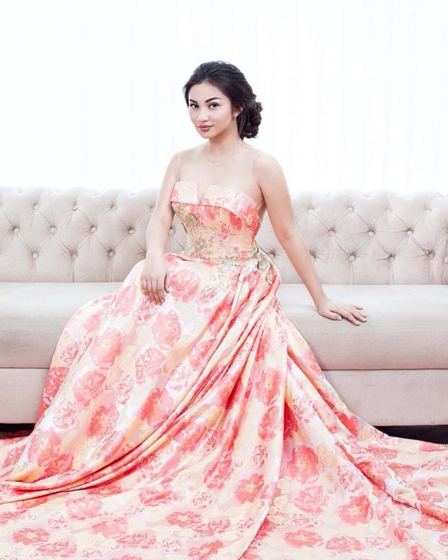 artis cantik FTV ariel tatum biodata