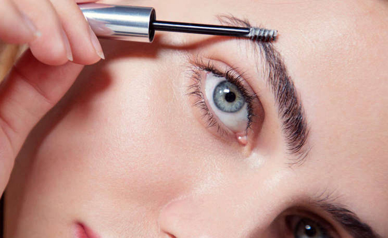 How to use a brow gel