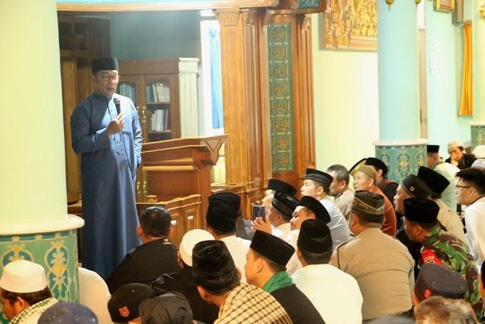 GUBERNUR JABAR RIDWAN KAMIL SUBUH BERJAMAAH DENGAN MASYARAKAT SAGALAHERANG