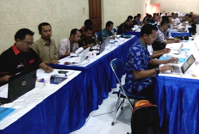 Writing Clinic, 104 Penulis Pemula Berlatih Pada Mulyana AZ