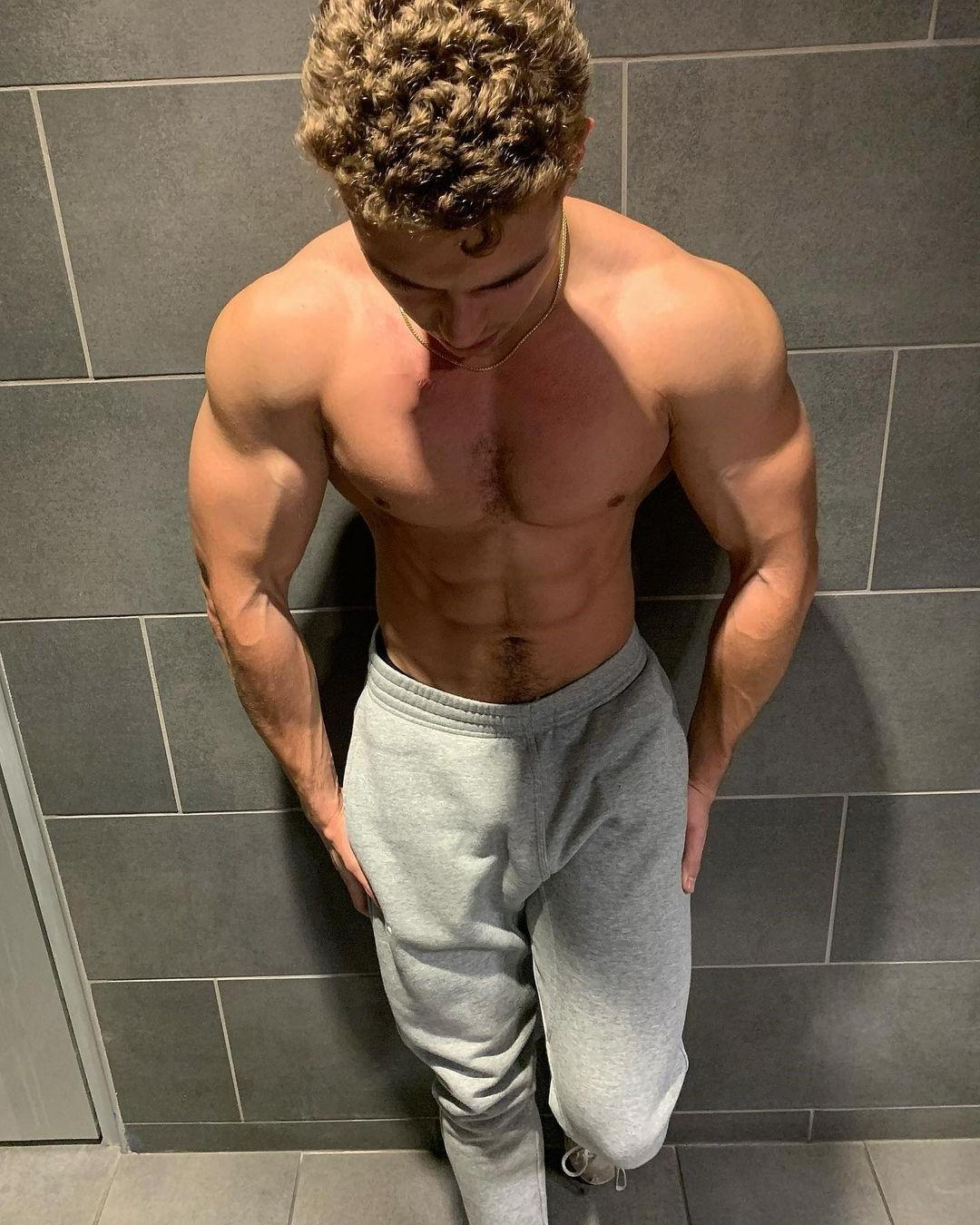 hot-guy-colton-wergin-shirtless-muscle-body-big-shoulders-treasure-trail-curly-hair