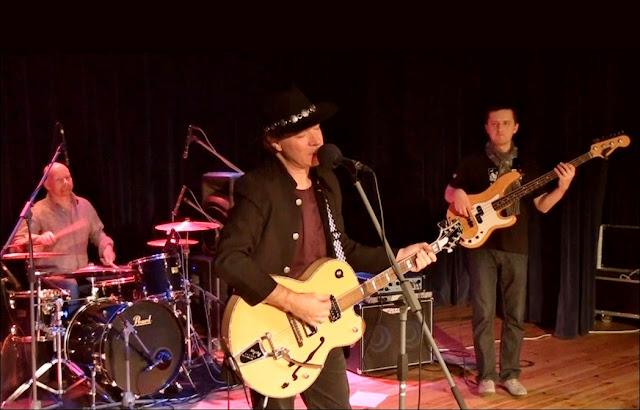 Gerry Joe Weise, Australian musician, blues guitarist, singer songwriter.