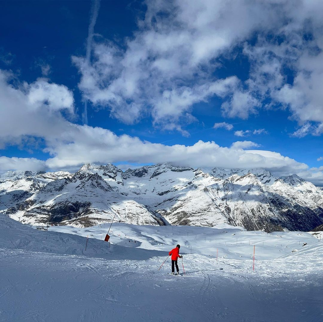 Bermain ski Zematt Swiss