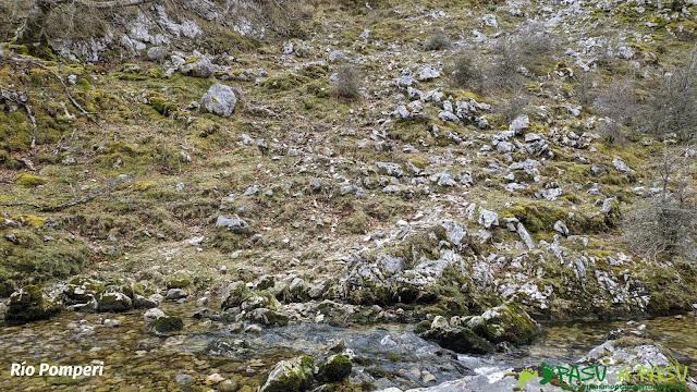 Cruce en el Río Pomperi