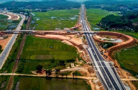 """Lo nhà đầu tư Trung Quốc tham gia, hồ sơ cao tốc Bắc – Nam thành """"tài liệu mật"""" quốc gia?"""