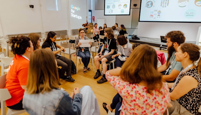 Gli organizzatori lavorano insieme per sviluppare le best practice per favorire la diversità e l'inclusione nelle loro comunità tecnologiche