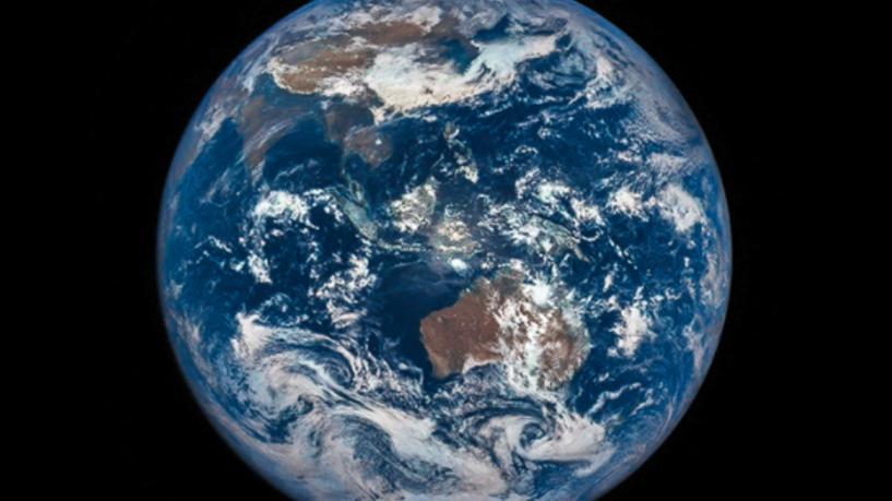صور من الفضاء تظهر دخان الحرائق غرب الولايات المتحدة