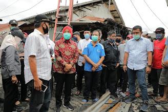 Wakil Walikota Palembang Tinjau Lokasi Kebakaran di Pasar Perumnas