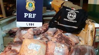 Idoso é flagrado com carne bovina sendo  transportada de forma precária