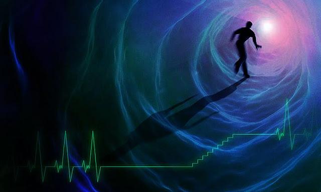 """فيزيائي يزعم أن """"طاقة"""" الإنسان لا تموت بعد وفات"""