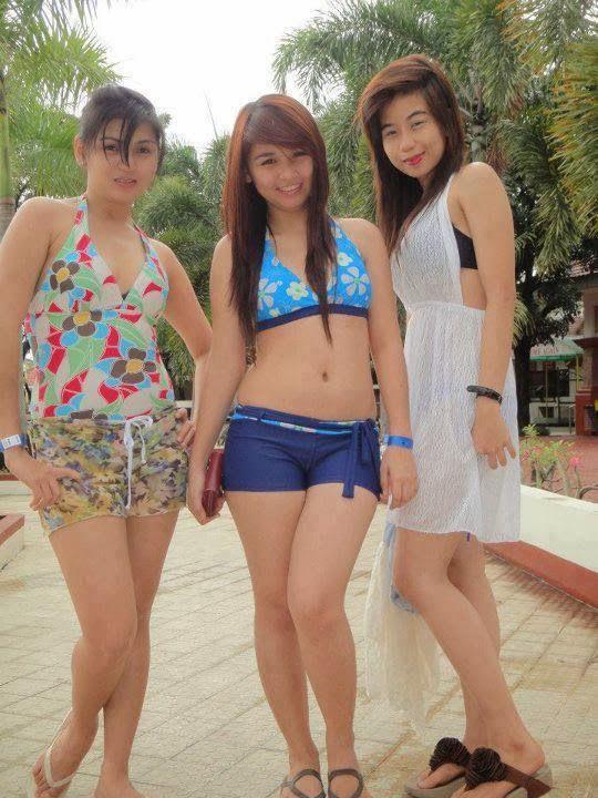 Tiga Mahasiswi Yang Memuaskanku