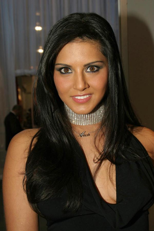 Sunny Leone Beautiful Long Hair  Hot Actress Photo Gallery-6254