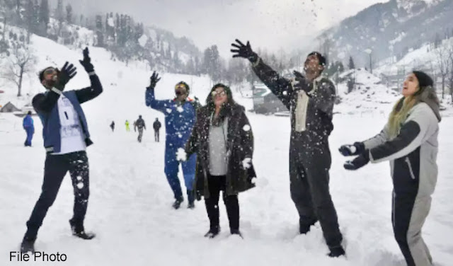 If you want to celebrate New Year in the middle of snow in Himachal, then you can make a program to roam here, read the news