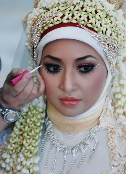 Foto riasan pengantin muslimah 31