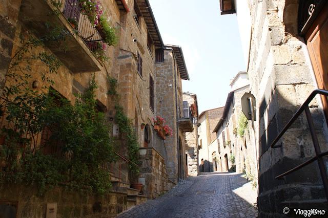 Una delle tipiche vie del quartiere Medievale di Orvieto