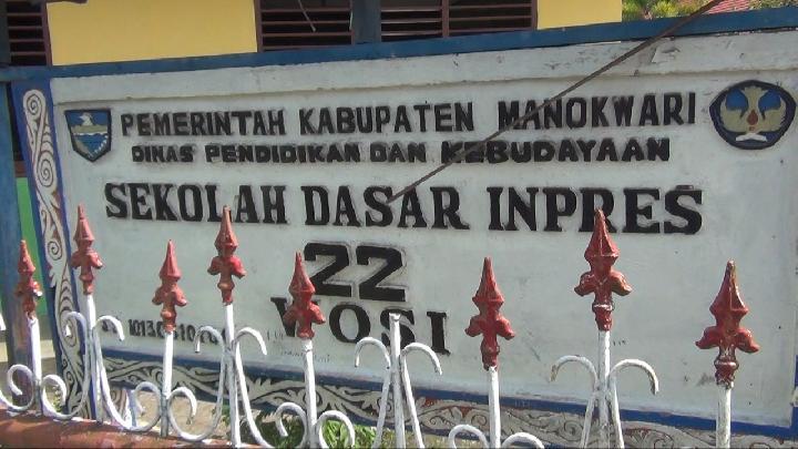Saat Siswa SD di Papua Barat Dilarang Berhijab