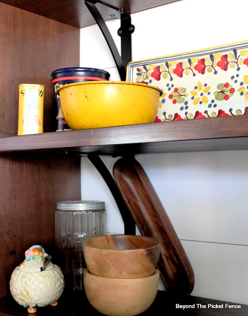 Using Eclectic Vintage Finds and Styling Open Shelving
