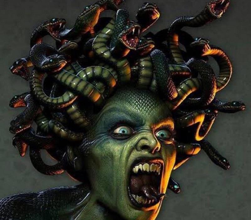 Porque Medusa Foi Amaldiçoada?