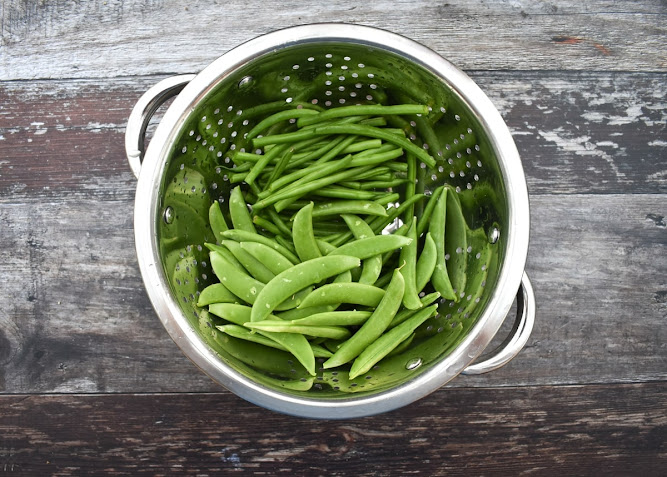 fine beans and sugar snap peas