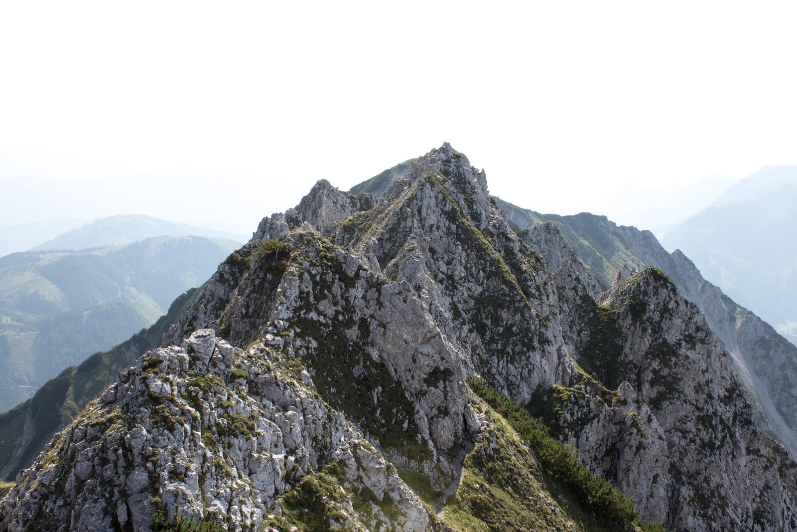 Von der Ardningeralmhütte über den Wildfrauensteig auf Frauenmauer, Bosruck und Kitzstein.