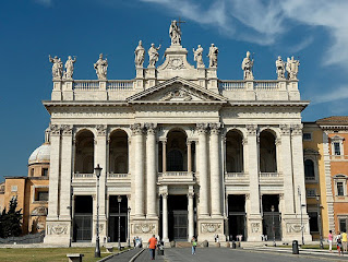 The Basilica di San Giovanni in Laterano is one of southern Rome's major landmarks