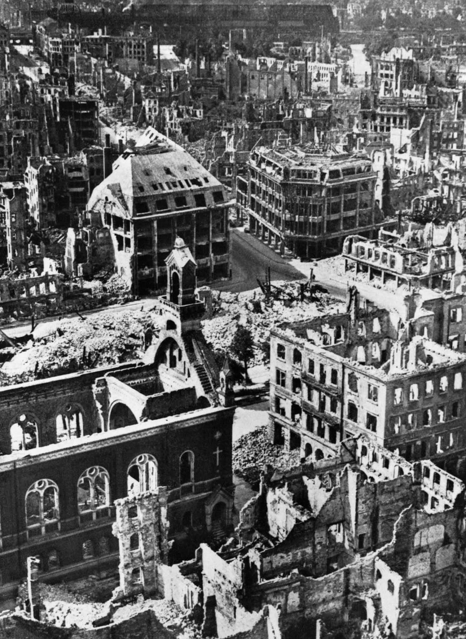 Dresden in ruins. 1945.