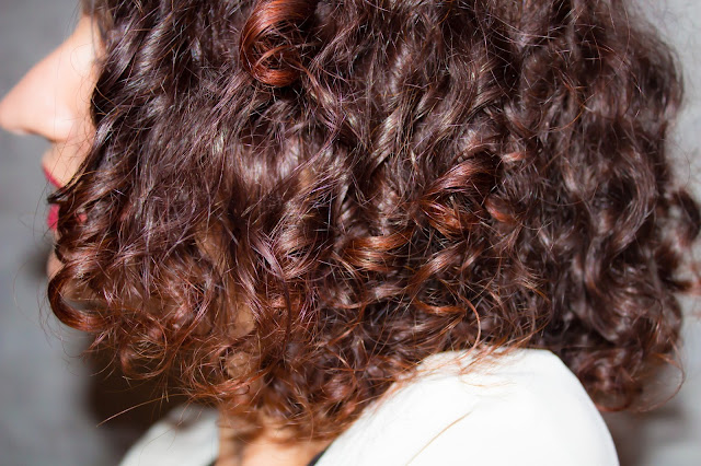 cheveux boucles routine capillaire