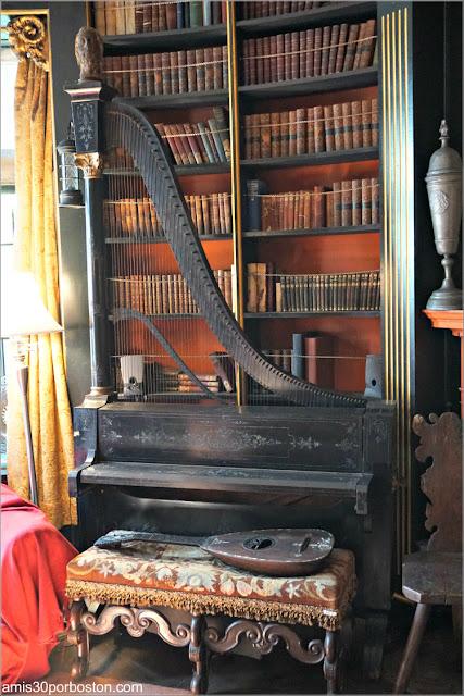 Instrumento Único en la Biblioteca del Castillo Hammond, Gloucester