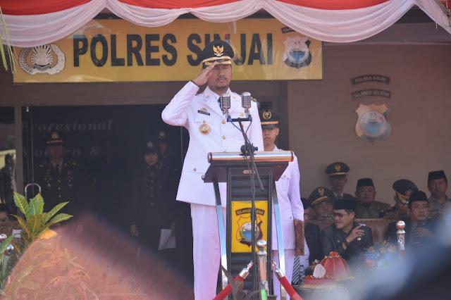 Bupati Sinjai Inspektur Upacara di Peringatan Hari Bhayangkara Ke-73