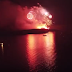Μοναδικό θέαμα στη Σαντορίνη κατά την αναπαράσταση της έκρηξης του ηφαιστείου (video)
