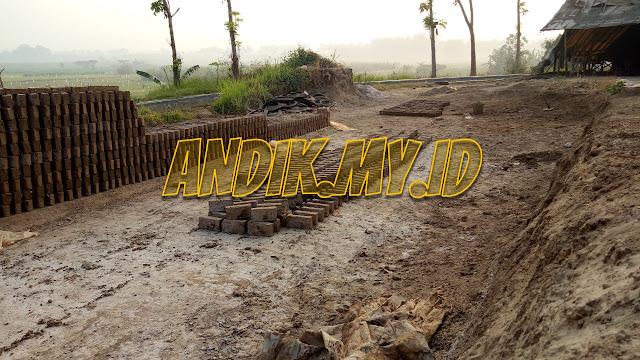 foto, batu bata merah, mojokerto, pembuatan batu bata merah, trowulan, jatirejo
